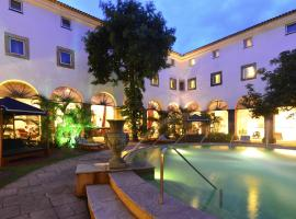 Hotel Photo: Pestana Convento do Carmo