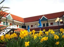 Hotel Photo: The Town & Country Lodge