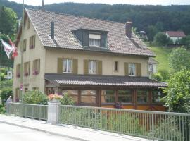 Lüber's Bed & Breakfast Grellingen سويسرا