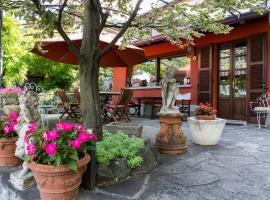 Hotel Photo: B&B Frontelago Lago Di Como