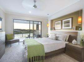 Hotel Photo: Brightwater Executive Home