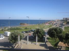 A picture of the hotel: OceanView Apartment on Beach Near Porto