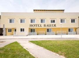 A picture of the hotel: Hotel Bauer