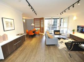 Sydney CBD Modern Self Contained Three-Bedroom Apartment (41,