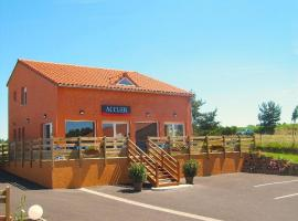 Hotel Photo: Hôtel Cantal Cottages