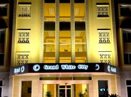 A picture of the hotel: Grand White City Hotel