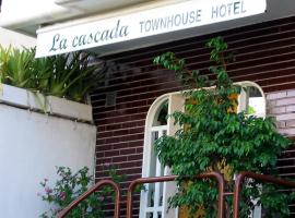 A picture of the hotel: La Cascada Townhouse Hotel