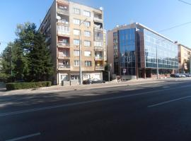 A picture of the hotel: Apartment Grbavica Zoja