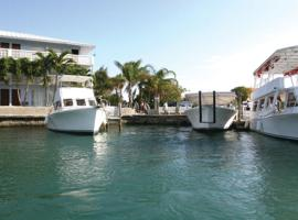 Hotel near Freeport: Flamingo Bay Hotel & Marina