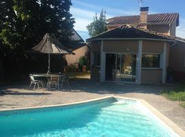 Hotel Photo: Villa Toulouse with Swimming Pool