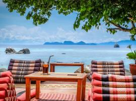 Ten Moons Lipe Resort Ko Lipe Таїланд