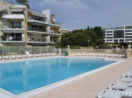 Hotel Photo: Apartment Cagnes Sur Mer Boulevard De La Plage