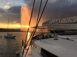 Floatinn Boat-BnB Geneva Switzerland