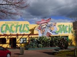 Hotel Photo: Cactus Jacks Backpackers