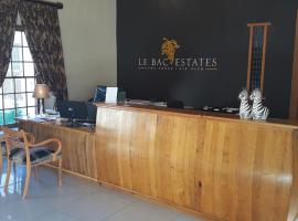 Hotel Photo: Le Bac Estates