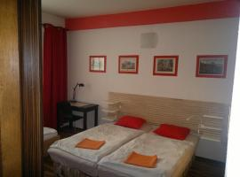 A picture of the hotel: Red Apartment