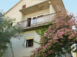 Hotel Photo: Apartment Slatine 22