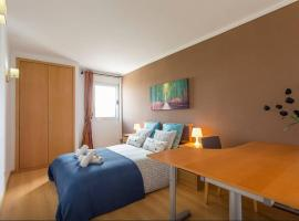 A picture of the hotel: Cardoso Pires 2 Bedrooms Apt.