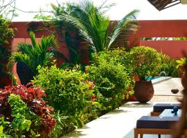 Hotel Photo: Hotel Maison Rouge Cotonou