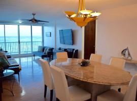 A picture of the hotel: Beachfront Apartment Isla Verde