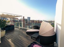 Hotel photo: Charming Penthouse with Private Terrace