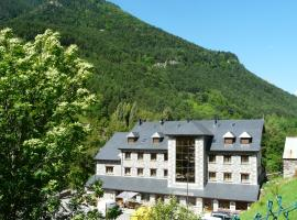 Hotel Photo: Hotel Camping Bielsa