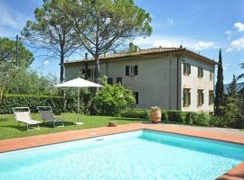 Holiday home in Staggia with Seasonal Pool Staggia Italy