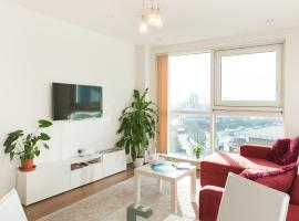 Superior Modern Apartment with Sky Views,