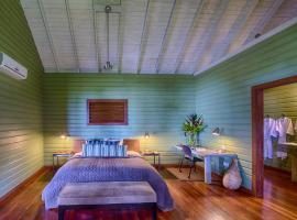 Hotel Photo: Pagua Bay House ~ Oceanfront Cabana's