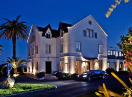 A picture of the hotel: Farol Hotel