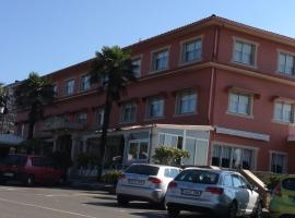 A picture of the hotel: Hotel Garcas