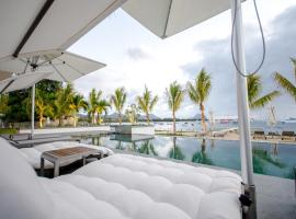 Hotel Photo: Latitude Seaview Duplex by Dream Escapes