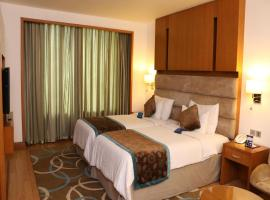 Hotel Photo: OYO Elite Hambran Road