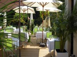 Hotel Photo: Logis Le Pont Bernet