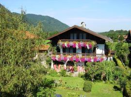 Hotel Photo: Ferienhotel Hahn Garni