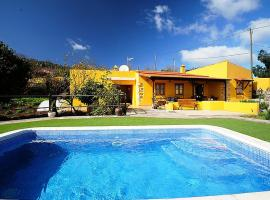 A picture of the hotel: Villa Villa Lemon