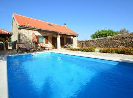 Hotel Photo: Holiday Home Marija