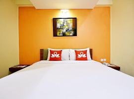 A picture of the hotel: ZEN Rooms Pluit Bandengan