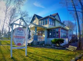 Blue Gables Bed and Breakfast Niagara Falls Canada