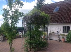 Hotel Photo: Bed and Breakfast - Stakdelen 47
