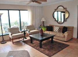 Hotel Photo: Three-bedroom Oceanfront Penthouse at Rio Mar