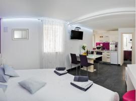 Hotel photo: Diokles Studio Apartman