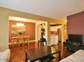 Hotel Photo: LM Stays - 2 bdrm, minutes to airport