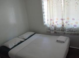 Hotel Photo: Hibiscus Homestay