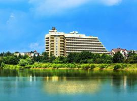 Hotel Photo: Resort Hotel Karpaty