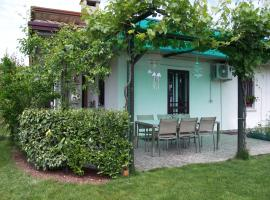 Cozy Home with Garden Sirmione Italy