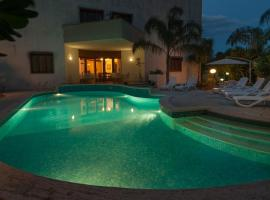 Hotel Photo: Boutique Villa Magnolia - Luxury B&B