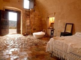 Hotel Photo: Sextantio Le Grotte Della Civita