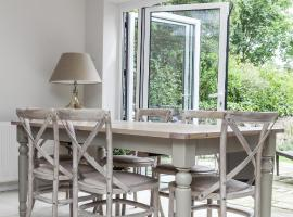Hotel Photo: onefinestay - Wimbledon apartments