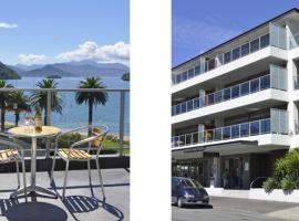 Hotel Photo: Luxury Seaview Waterfront Apartments